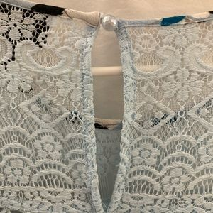 Beautiful blouse with pretty details! Like new!